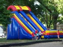 22 foot screamer slide from big sky party rentals 1